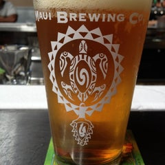 Photo taken at Maui Brewing Co. Brewpub by Chad W. on 3/5/2012