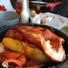 Photo taken at Joe's Crab Shack by Robyn on 8/14/2012