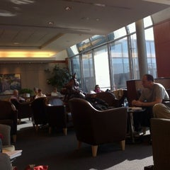 Photo taken at United Global First Class Lounge by Asten on 4/24/2012