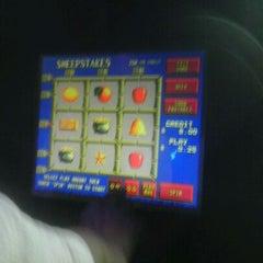 Photo taken at Hot Shots Billiards & Sports Bar by Shannan B. on 4/19/2012