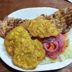 Photo taken at Fabio's Chicken by Phillysdon04 D. on 7/25/2012