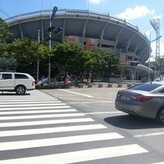 Photo taken at 사직야구장 (Sajik Baseball Stadium) by 은애 노. on 8/26/2012