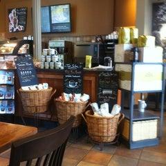 Photo taken at Starbucks by L M. on 5/19/2012
