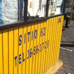 Photo taken at Sitio de Taxis 62 by Iván S. on 1/22/2012