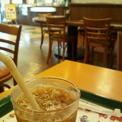 Photo taken at モスバーガー 北24条店 by ちゃっ on 8/27/2011