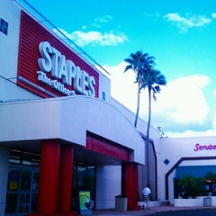 Photo taken at Staples by $ŦEPҤλ₦łE V. on 11/3/2011