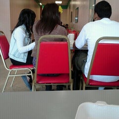 Photo taken at Happy Wok Chinese Food by Veronica V. on 9/16/2011
