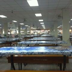 Photo taken at อาคารโภชนาการ ม.หัวเฉียวฯ by Nat'dee🐻 .. on 1/5/2012