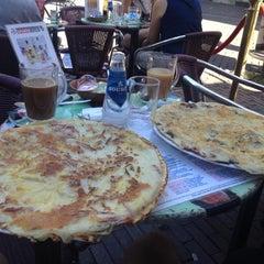 Photo taken at The Pancake Corner by Kevin J. on 8/12/2012