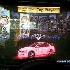 Photo taken at Cross Fire Arcade by HasegawaRyouji E. on 3/29/2012