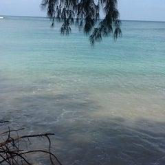Photo taken at หาดในยาง (Nai Yang Beach) by Heater C. on 4/9/2012