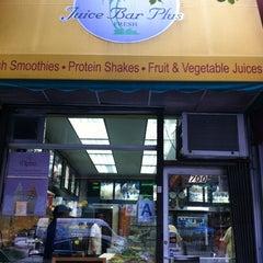 Photo taken at Juice Bar Plus by Marina K. on 9/3/2011