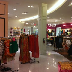 Photo taken at Forever 21 by Lissa B. on 6/1/2012
