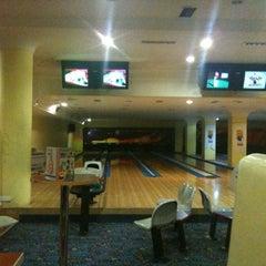 Photo taken at Subtown Bowling by Mehmet on 12/6/2011