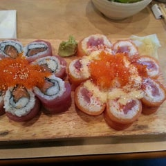 Photo taken at Sushi House by Q T. on 9/1/2012