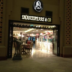 Photo taken at Shakespeare and Co. شكسبير أند كو by Shrish K. on 8/22/2012
