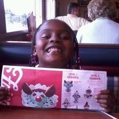 Photo taken at Friendly's by Dominique S. on 7/17/2012