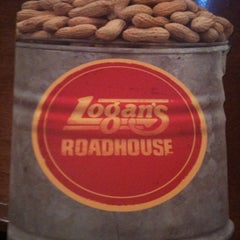 Photo taken at Logan's Roadhouse by Kevin M. on 1/23/2011