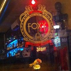 Foto tirada no(a) Foxy Bar por Meruschka em 9/26/2011