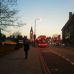 Photo taken at Premier Inn London County Hall by Federico P. on 3/28/2012
