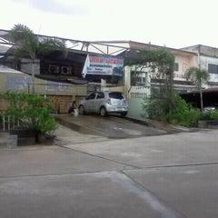 Photo taken at นิลกำแหงคาร์เซอร์วิส by Panida N. on 9/15/2011