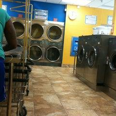 Photo taken at Midtown Wash by Lyubov Z. on 7/27/2012