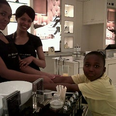 Photo taken at Jo Malone Hyde Park by Tumi S. on 9/2/2011