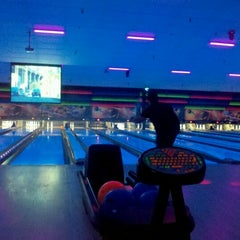 Photo taken at Freeway Lanes by Shanna C. on 1/7/2012