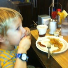 Photo taken at Waffle House by Tom W. on 8/31/2012