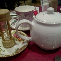 Photo taken at Hettie's Tearooms by Moomay S. on 10/19/2011