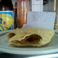 Photo taken at Pastelaria do Chico by Celise R. on 10/21/2011