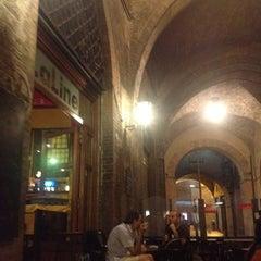 Photo taken at Bar La Linea by Yoshka on 8/25/2012