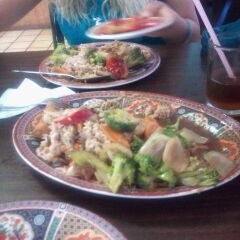 Photo taken at El Panda Comida China by Luis E. on 4/4/2012