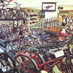 Photo taken at Turnes Bikes Shop by Alexandre S. on 7/14/2012
