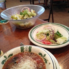 Photo taken at Olive Garden by Nicholas T. on 6/19/2012