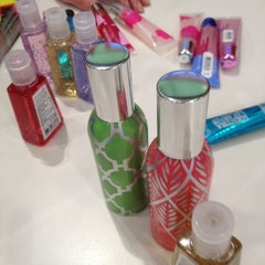Photo taken at Bath & Body Works by Kate M. on 1/15/2012