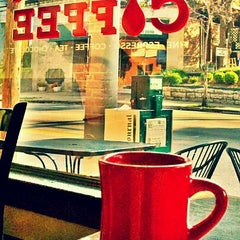 Photo taken at Quills Coffee by Lewis on 7/12/2011