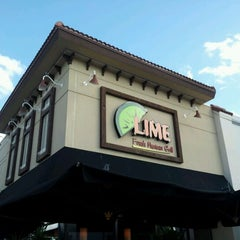Photo taken at Lime Fresh Grill by Luciano R. on 11/23/2011