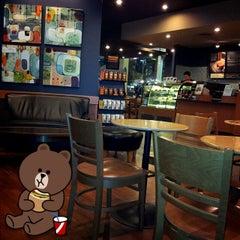 Photo taken at Starbucks (สตาร์บัคส์) by Chalermpol ^. on 6/24/2012