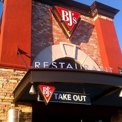 Photo taken at BJ's Restaurant and Brewhouse by Dave on 6/24/2012