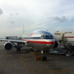 Photo taken at Concourse D by Arturo G. on 8/31/2012
