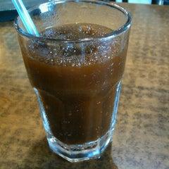Photo taken at Café Mare Nostrum by Xavi G. on 5/22/2011