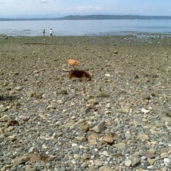 Photo taken at Edmonds Off-Leash Dog Park by Tina H. on 5/19/2012