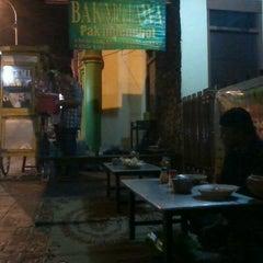 Photo taken at Bakmi Jawa Pak Mbendhol by Ai O. on 8/6/2012