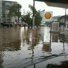 Photo taken at Auto Posto Estônia 3 by Alisson L. on 1/17/2012