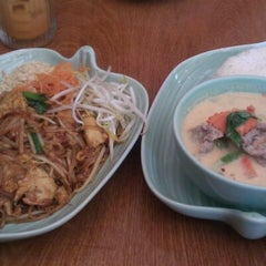 Photo taken at Thai Blossom by Liana P. on 4/3/2012