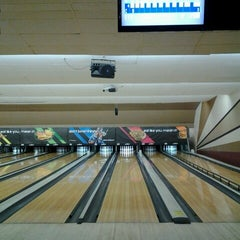 Photo taken at AMF 34th Avenue Lanes by Cyn M. on 7/21/2012