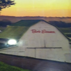 Photo taken at Bob Evans Restaurant by Debbie K. on 10/16/2011