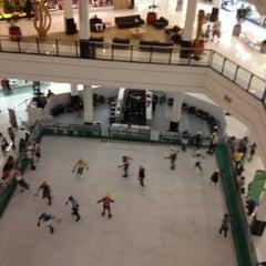 Photo taken at Santana Parque Shopping by Eliane R. on 7/29/2012