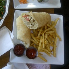 Photo taken at Jocelyn's Mediterranean Restaurant by Christopher W. on 4/6/2012